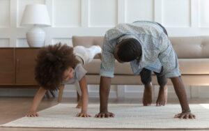 4 Punkt Bodendrücker – Core Training ohne Ausrüstung