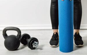 Kettlebell oder Hanteln – welches Training ist effektiver?