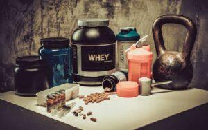 Die 5 wichtigsten Nahrungsergänzungsmittel für dein Hanteltraining