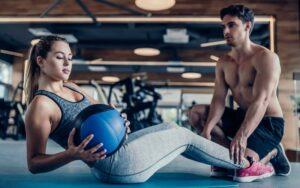 Hanteltraining für den Bauch